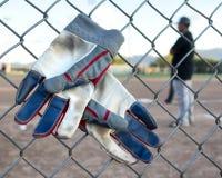 Γάντια μπέιζ-μπώλ Στοκ εικόνες με δικαίωμα ελεύθερης χρήσης