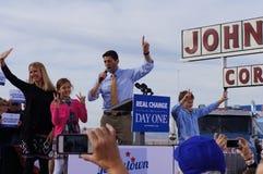 Γάντι πυγμαχίας Romney συνάθροισης του Paul Νταίηβις Ryan Στοκ Εικόνα