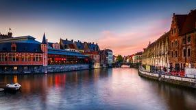 Γάνδη Βέλγιο - όμορφη άποψη πέρα από τα παραδοσιακά σπίτια Στοκ εικόνα με δικαίωμα ελεύθερης χρήσης