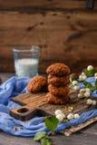 γάλα γυαλιού μπισκότων σ&omic Στοκ Εικόνα