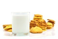 Γάλα και μπισκότα Στοκ φωτογραφίες με δικαίωμα ελεύθερης χρήσης