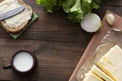 Γάλα, σάντουιτς, πράσινα, βούτυρο Στοκ Εικόνες