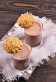 Γάλα σοκολάτας με oatmeal διατροφής τα μπισκότα Στοκ φωτογραφίες με δικαίωμα ελεύθερης χρήσης