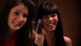 Γέλιο κοριτσιών φιλμ μικρού μήκους