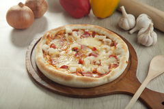 Γέμισμα της πίτσας χοτ ντογκ Στοκ Εικόνα