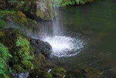 Γέννηση της Covadonga River στοκ φωτογραφίες με δικαίωμα ελεύθερης χρήσης