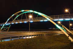 Γέφυρα αψίδων τη νύχτα Στοκ φωτογραφία με δικαίωμα ελεύθερης χρήσης