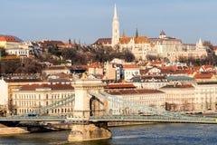 Γέφυρα αλυσίδων στην ανατολή στοκ εικόνες