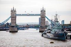 γέφυρα βαρκών Λονδίνο παλαιό Στοκ εικόνες με δικαίωμα ελεύθερης χρήσης