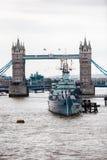 γέφυρα βαρκών Λονδίνο παλαιό Στοκ Εικόνες