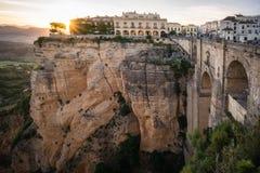 Γέφυρα γεφυρών της Ισπανίας Ανδαλουσία Ronda στη Ronda Doraf στους βράχους στοκ φωτογραφία με δικαίωμα ελεύθερης χρήσης