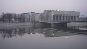 Γέφυρα ειρήνης σε Wroclaw κοντά σε Ostrow Tumski απόθεμα βίντεο