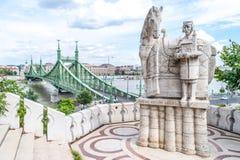 Γέφυρα ελευθερίας όπως βλέπει από τη σπηλιά Hill Gellért στη Βουδαπέστη, Hunga Στοκ Εικόνες