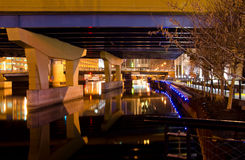 γέφυρα κάτω Στοκ φωτογραφίες με δικαίωμα ελεύθερης χρήσης