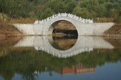 Γέφυρα και λίμνη Στοκ Εικόνες