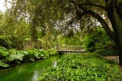 Γέφυρα και ποταμός στον κήπο Nympha στοκ φωτογραφία με δικαίωμα ελεύθερης χρήσης