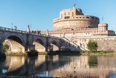 Γέφυρα και Castel Sant Angelo στον ποταμό Tiber Στοκ Φωτογραφίες