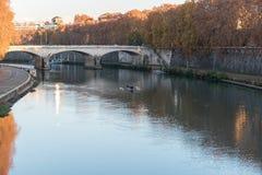 Γέφυρα και Castel Sant Angelo στον ποταμό Tiber Στοκ Εικόνα