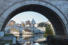 Γέφυρα και Castel Sant Angelo στον ποταμό Tiber Στοκ εικόνες με δικαίωμα ελεύθερης χρήσης