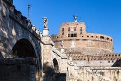 Γέφυρα και Castle Sant Angelo αγγέλου του ST στη Ρώμη Στοκ Εικόνα