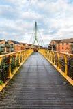 Γέφυρα καλωδίων πέρα από τον ποταμό Nene στο Νόρθαμπτον Στοκ Εικόνες