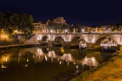 Γέφυρα κοντά στο Castle de Sant Angelo στη Ρώμη Ιταλία Στοκ Φωτογραφία