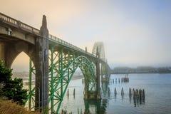 Γέφυρα κόλπων Yaquina Στοκ Φωτογραφίες