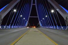 Γέφυρα λεωφόρων Lowry τη νύχτα Στοκ Φωτογραφίες