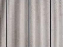 Γέφυρα λιμνών φιαγμένη από ξύλινα πολυμερή σύνθετα WPC στοκ εικόνες με δικαίωμα ελεύθερης χρήσης
