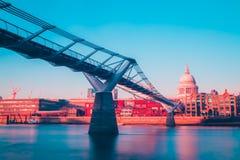 Γέφυρα Λονδίνο UK χιλιετίας Στοκ Φωτογραφία