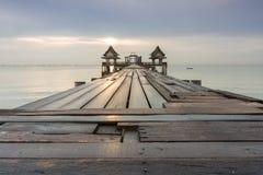 γέφυρα μακριά πέρα από τη θάλ&alpha Στοκ φωτογραφίες με δικαίωμα ελεύθερης χρήσης