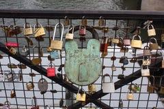 Γέφυρα με τα λουκέτα Στοκ εικόνες με δικαίωμα ελεύθερης χρήσης