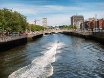 Γέφυρα μισών πενών στο Δουβλίνο, Ιρλανδία Στοκ φωτογραφία με δικαίωμα ελεύθερης χρήσης