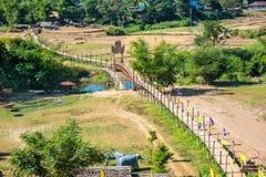 Γέφυρα μπαμπού τοπίων Γέφυρα Sutongpe ονόματος θέσεων στη Mae Hong στοκ φωτογραφία με δικαίωμα ελεύθερης χρήσης