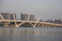 Γέφυρα πέρα από τη λίμνη Taihu, Wuxi Κίνα Στοκ Φωτογραφία