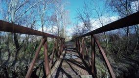 γέφυρα πέρα από τον ποταμό φιλμ μικρού μήκους