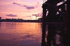 γέφυρα πέρα από τον ποταμό Στοκ φωτογραφία με δικαίωμα ελεύθερης χρήσης