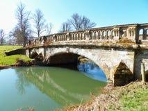 Γέφυρα πέρα από τον ποταμό avon στο πάρκο charlecote στοκ φωτογραφία με δικαίωμα ελεύθερης χρήσης