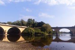 Γέφυρα πέρα από τον ποταμό Dordogne Limeuil Στοκ Εικόνες
