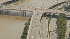 Γέφυρα πέρα από τον ποταμό Saigon από την οδική κυκλοφορία Timelapse απόθεμα βίντεο