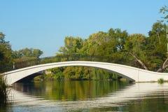 γέφυρα πέρα από το ύδωρ Στοκ φωτογραφίες με δικαίωμα ελεύθερης χρήσης