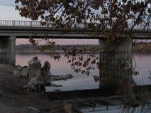 γέφυρα πέρα από το ύδωρ Στοκ Φωτογραφία