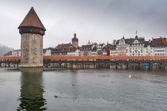 Γέφυρα παρεκκλησιών και ποταμός Reuss, Λουκέρνη Στοκ φωτογραφία με δικαίωμα ελεύθερης χρήσης