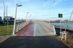 Γέφυρα πεζών και ποδηλατών Στοκ Εικόνες