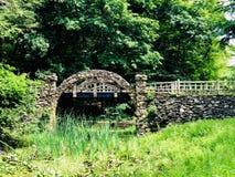 Γέφυρα πετρών κρατικών πάρκων του Gillette Castle στοκ φωτογραφίες