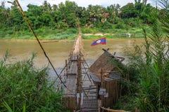 Γέφυρα ποδιών μπαμπού σε Luang Prabang Λάος Στοκ φωτογραφία με δικαίωμα ελεύθερης χρήσης
