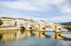 Γέφυρα ποταμών Arno στη Φλωρεντία, Τοσκάνη Στοκ Φωτογραφίες