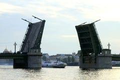 γέφυρα που αυξάνεται Στοκ Εικόνα