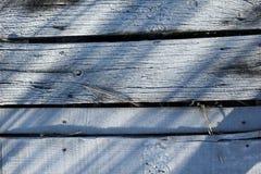 Γέφυρα που καλύπτεται ξύλινη από τα κρύσταλλα πάγου Στοκ Φωτογραφίες