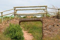 Γέφυρα που χτίζεται αγροτική πέρα από μια διάβαση Στοκ εικόνα με δικαίωμα ελεύθερης χρήσης